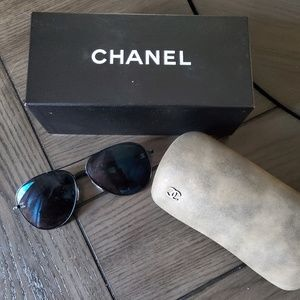Chanel Aviator Sunglasses w/special edition case!